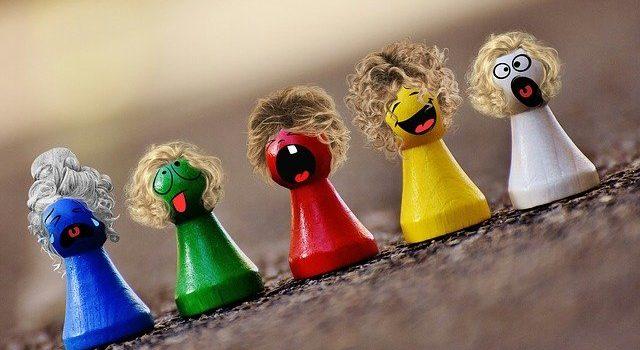 Prezent mikołajkowy dla dziecka 2,5 lat – zabawki drewniane