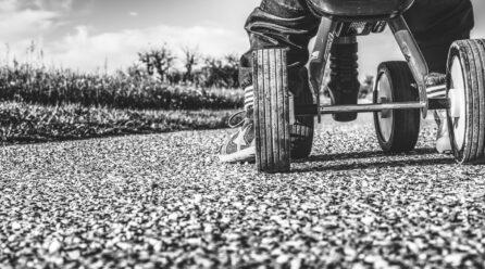 Jeździk, rowerek biegowy czy pchacz – który wybrać?